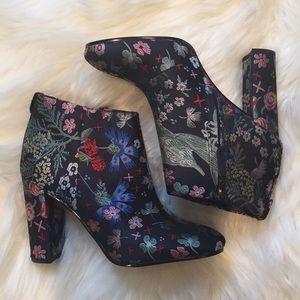 New Sam Edelman booties Size 5